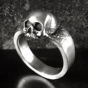 Apparition Skull Ring