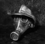 Hat Gas Mask Ring
