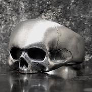 Peeping Skull Ring