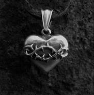 Heart Thorns Pendant